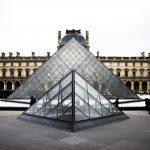 paris-museum-pyramide-louvre